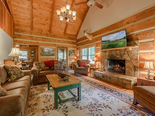 3BR Creekside Log Cabin in Valle Crucis with Rustic Upscale Furnishings and