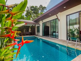 Tropical 2 Bedrooms Pool Villa Near Phuket Zoo & Dolphine Show