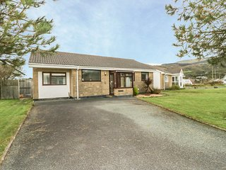 DEHANGFA, WIFI, beach within walking distance, Fairbourne short walk, Ref 968891