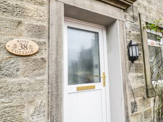 Rose Cottage, en-suites, exposed beams and stones, centre of Grassington, Ref