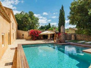Beautiful Majorcan Holiday Villa 252
