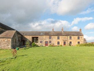 SHELDON ARCHES, exposed beams, countryside views, in Grindon, Ref. 927858