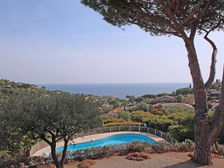 Villa 6pers -Vue mer extraordinaire -Piscine -Wifi -Climatisation -Les Issambres