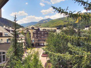 3 bedroom condo with Den located in Beaver Creek Village