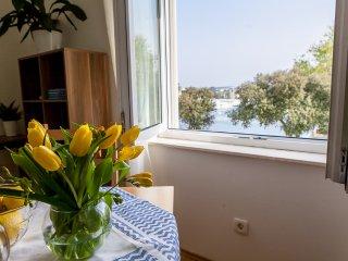 Apartment Sidra - Studio Apartment with Sea View