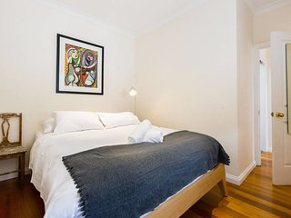 Kim, 2Bed Apt off Spencer St