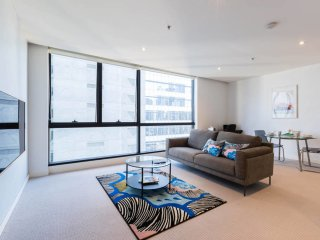 Heart of Melbourne QV 1BR apartment + Carspace+NBN