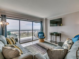 Direct Ocean Front 3 bedroom condo in the heart of North Myrtle Beach