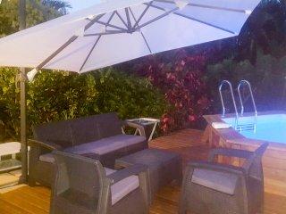 Joli bungalow a louer avec piscine privatif