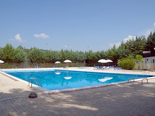 Cottage two-roomed in Colleverde Village, 10km far Perugia, pool, riding, tennis