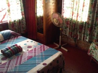 (Room 1) Shades Cottage Guesthouse