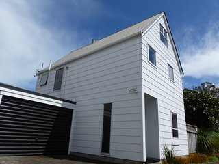 Quiet, secluded Onehunga/Royal Oak townhouse