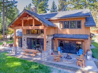 Stunning Retreat on the Course! * Mountain Dream Home w/Hot Tub & Pool Access
