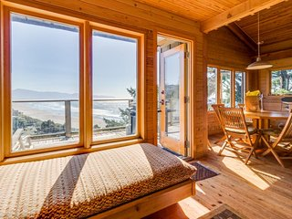 Hand-built home w/ two spacious decks & incredible views - 1/4 mile to the beach
