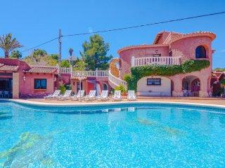 Villa Casa Roja en Teulada-Moraira,Alicante para 8 huespedes