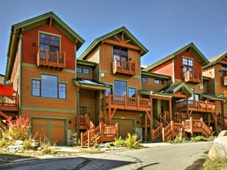 New! 3BR Winter Park Townhome Close to Ski Resort!