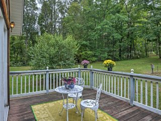 Farmington Cottage w/ Fire Pit & Fishing Pond!