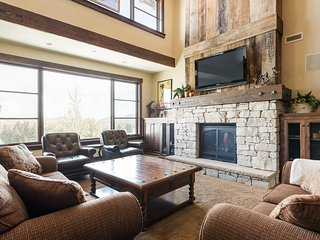 Silver Star #1305 - 4 Bed Penthouse w/spa