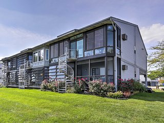 NEW! Charming 1BR Oak Harbor Condo w/ Water Views!