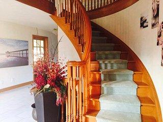 Executive and Impressive Estate Style Home
