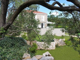 Sunny Villa -stylish and modern new property near Dubrovnik