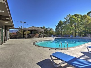NEW! 2BR + Loft Gatlinburg Condo w/ Community Pool