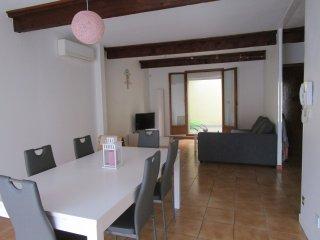 MAISON DE VILLAGE CATALAN de 100 m2 et ses terrasses