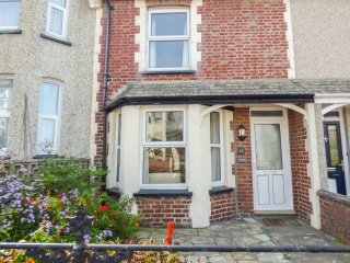 14 BRAMBLE HILL, three floors, spacious retreat, family friendly, in Bude, Ref.
