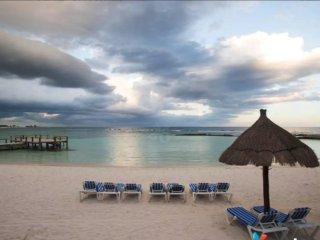 Frida Kahlo Condo, 5 Start Resort Access, Golf, Beach Club and more!
