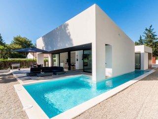 Brand New Modern Villa Private Pool