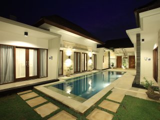 Kubu Nyoman Villas - Superior Room 02