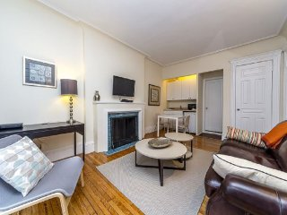 Amazing 1BR in Upper East (8282)