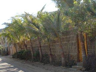 Cosy Private Bungalow in 'Las Pocitas' Mancora Peru / 300m to beach/ garden BBQ