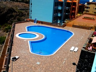 Lovely two bedroom fully equipped apartment 10 minutes walk from beach.