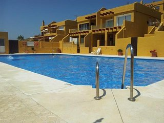 Cozy apartment a short walk away (245 m) from the 'Playa de Los Lances' in Tarif