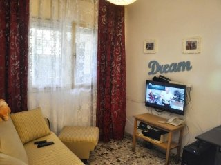 Spacious apartment in Tel Aviv-Yafo with Internet, Washing machine, Air conditio