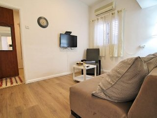 Cozy apartment in Tel Aviv-Yafo with Internet, Washing machine, Air conditioning