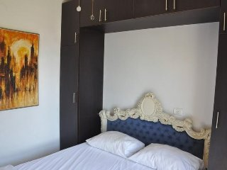 Cozy apartment very close to the centre of Bat Yam with Lift, Internet, Air cond