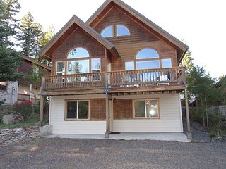 Beautiful Home in McCall two blocks to Payette Lake and Downtown Shopping