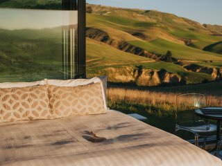 Greystone PurePod - luxurious glass eco-cabin high above an organic winery