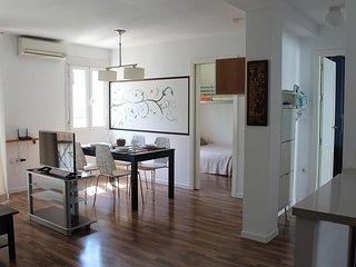 Studio apartment in the center of San Juan de Aznalfarache with Air