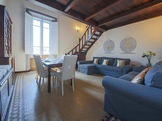 Spacious apartment very close to the centre of Florence with Internet, Washing m