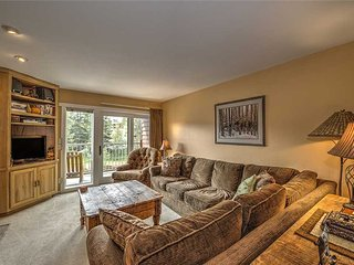 Beautiful 2bd ski-in condo, great locations + sleeps 8!
