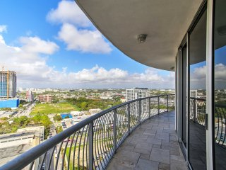 NEW!2BR Miami Condo - Balcony w/Ocean & City Views