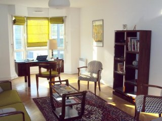 Spacious apartment in Paris with Lift, Internet, Washing machine
