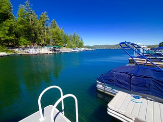 John Muir Lodge - Lakefront home with private dock to enjoy Lake Arrowhead