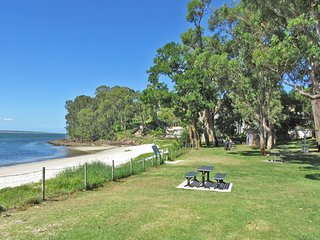25 Christmas Bush Avenue - aircon, pet friendly, small boat parking