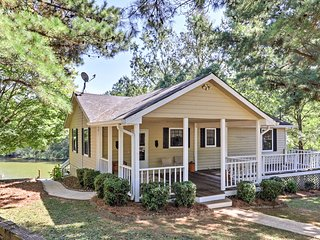 NEW! Lakefront 4BR Buckhead Cottage w/Hot Tub!