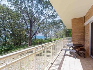 2 'Fiddlers Green' 62 Magnus Street - ground floor unit walking distance to