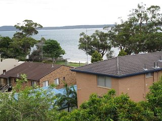 'Kerry's Place' 5 Kerrie Close - stunning property near Dutchies with water view